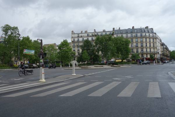 Place Léon Blum, Paris 11